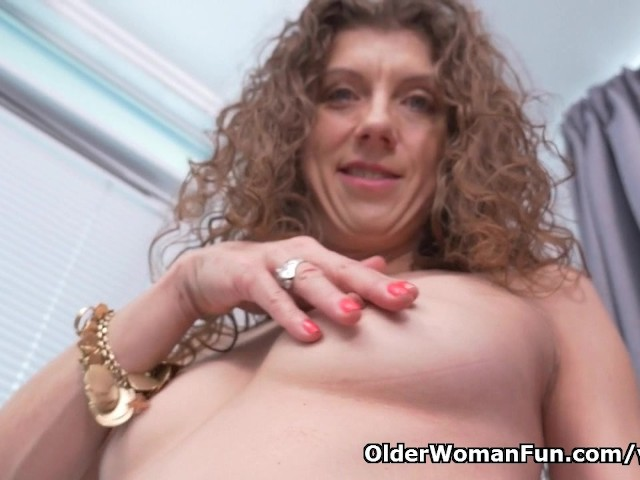 Canadian Milf Janice Needs Getting Off - Free Porn Videos -4837