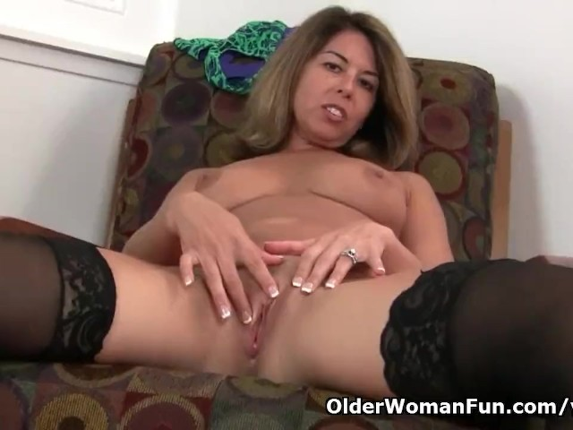 American milf niki shares her fuckable pussy with you 4