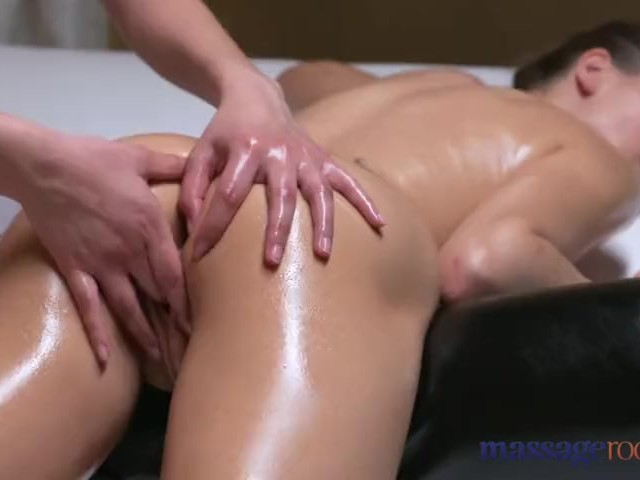 Massage Rooms Young Horny Lesbian Ukrainian Comes Hard -1692