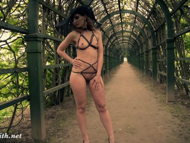 Jeny smith wearing mymokondo strap bondage in old park 6