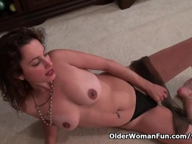 Milf serena cruz will let you enjoy her hard nipples and creamy cunt 1