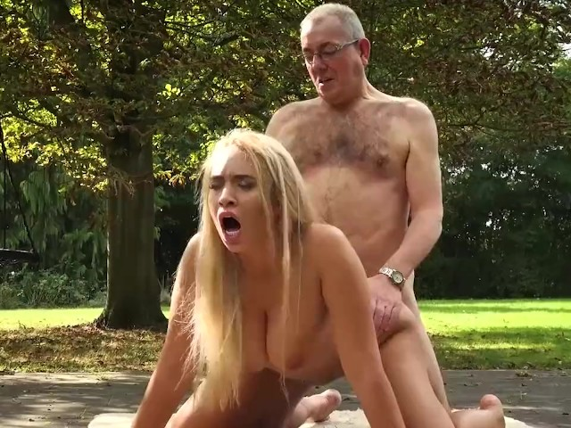 Grandpa Fucks Blonde Teen With Big Boobs And Fingers Pussy Feeds Her -6352