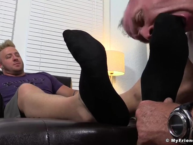 Aaron Bruiser and Dev Having Toe Sucking and Licking Session