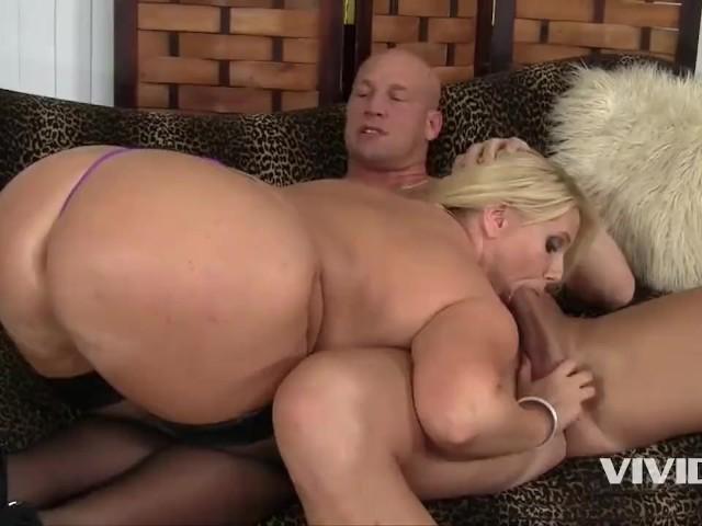 biggest ass milf