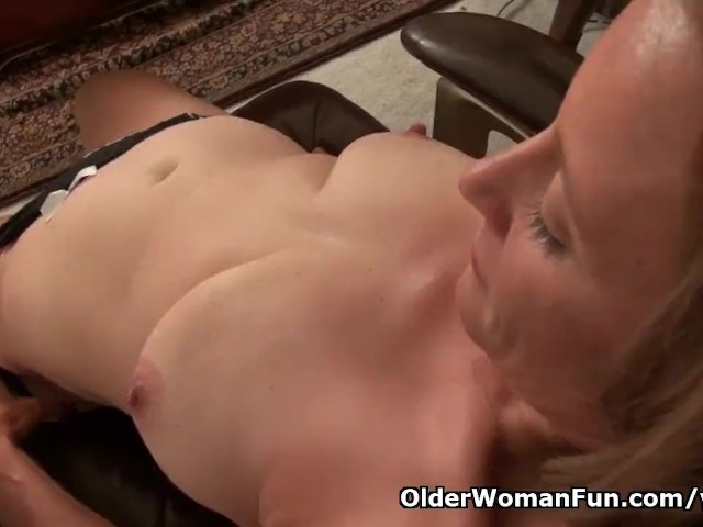 American milf jayden matthews gets turned on in pantyhose 9