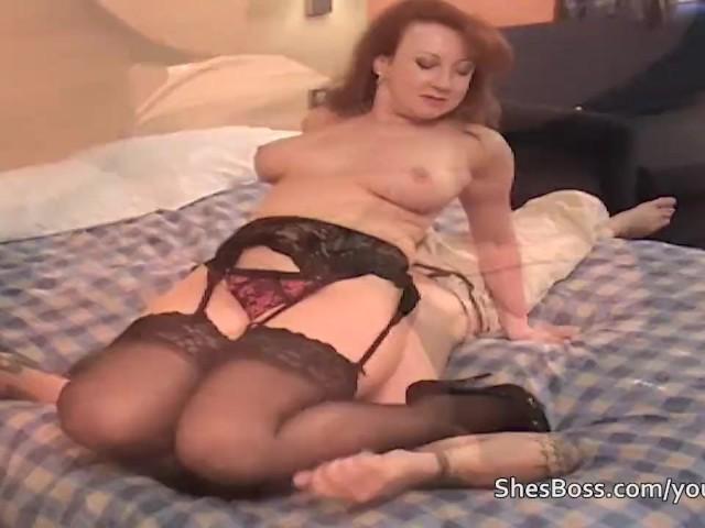Dominant Facesitting Redhead Milf In Lingerie - Free Porn -9673