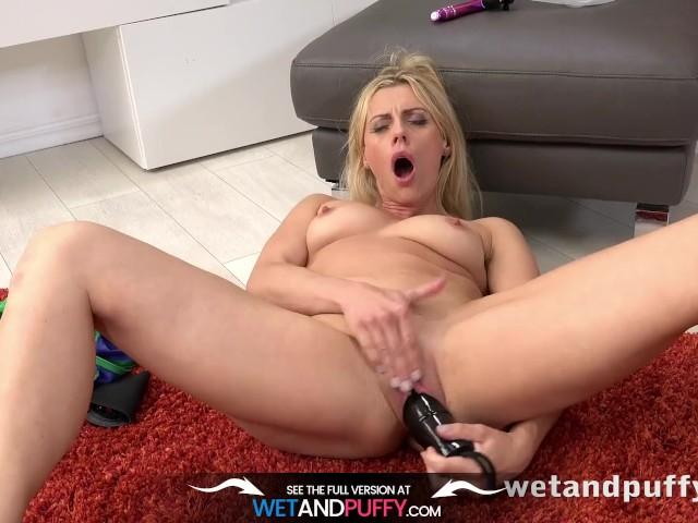 Wetandpuffy - Milf wrestles a monster dildo #1153388