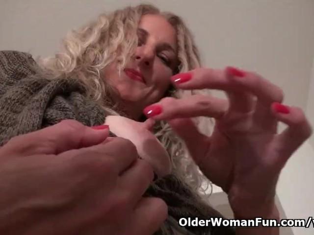 American milf lauren demille lets us enjoy her fine body 8