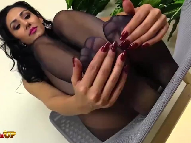 Brunette Gives a Footjob in Black Pantyhose - Free Porn Videos - Cliporno