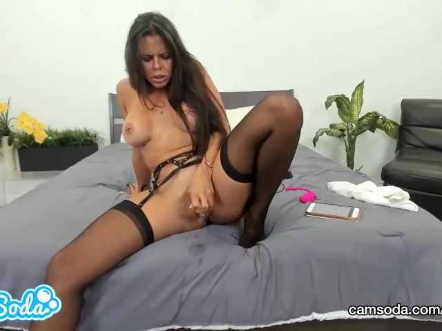 Sexy nude office girl