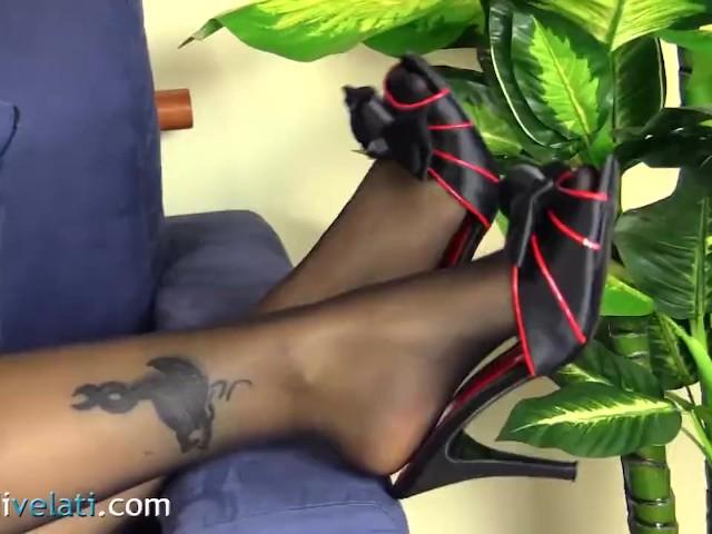 Suicide Girl Felisja Fishball in Pantyhose - Free Porn Videos - Cliporno