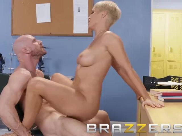 Brazzers - Dirty Teacher Ryan Keely Fucks Students Dad -6204