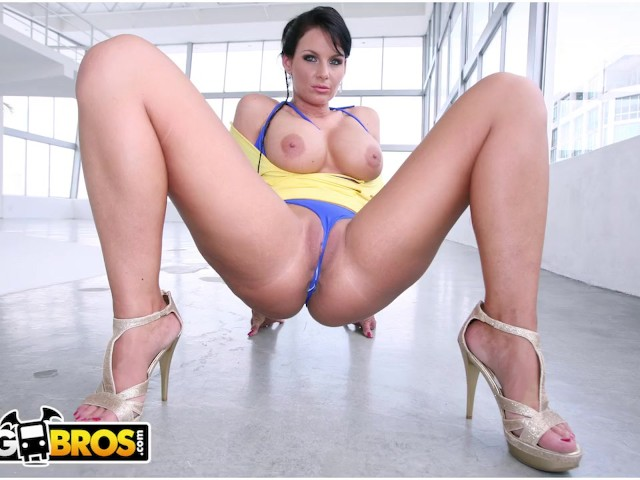 Bangbros - Pawg Phoenix Marie Gets Her Big Butt Fucked on Ass Parade!
