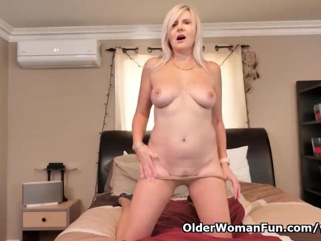 Canadian Milf Velvet Skye Loves a Good Finger Fucking - Free Porn Videos -  YouPorn