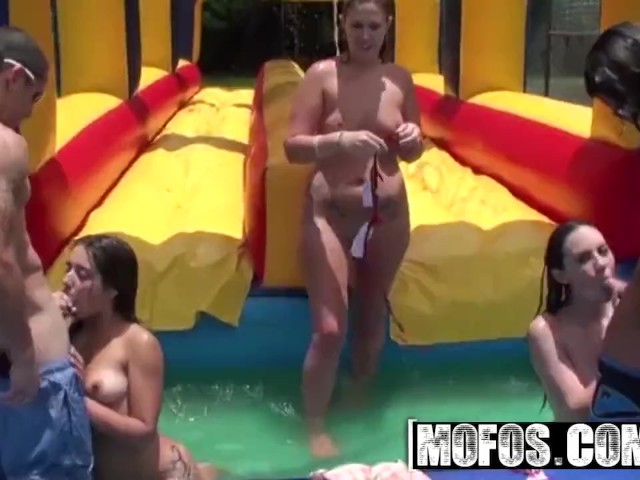 Mofos - Jynx Maze and Onia Nevaeh, Hot Teens Gets Oiled to Shake Their Booties