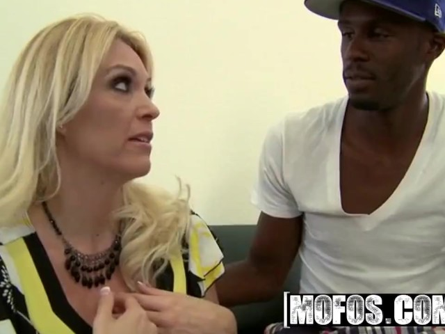 Mofos - Blonde Milf Charlee Chase Wants That Big Black Dick