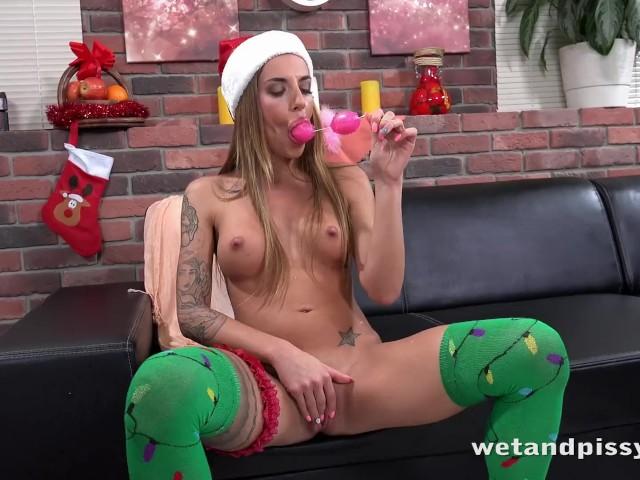 Pussy Pissing Babe in Stockings Enjoys Big Dildo