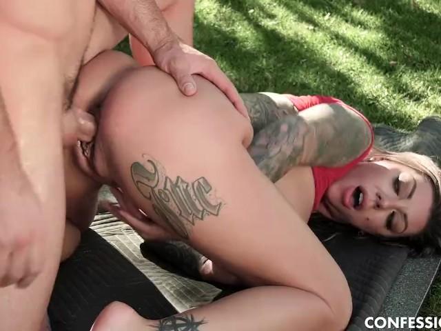 Tattooed Big Tits Karma Rx Fucks the Hard Cock of Her Golf Instructor