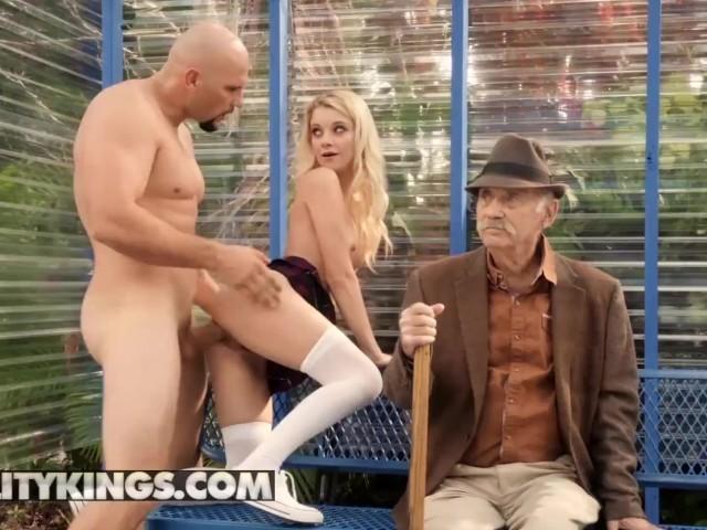 Xxx Porno Hd In Statia De Autobuz Cu O Studenta Blonda