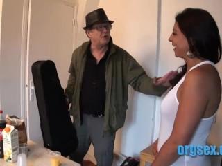 hudobné videá s sex čierna mačička porn.com