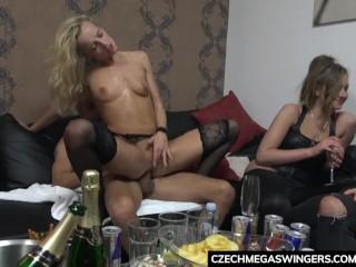 Vášnivá česká swingers party
