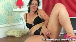 Spanish milf Montse Swinger...