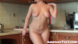 Big titted amateur babe...