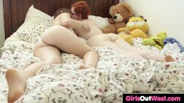 Cute Aussie lesbians lick...