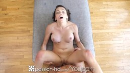 PASSION-HD Busty wide...