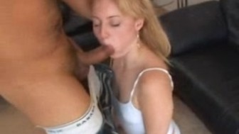 Amateur Girl plays and fucked