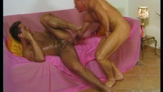 Muscled hunk gets pounded