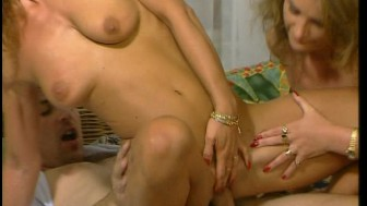Two hot babes pamper his dick (CLIP)