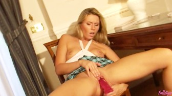 Russian Babe Opens Her Asshole WIDE!!!