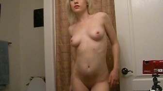 Hottest Selfshot Amateur Blonde Shows T and A