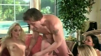 3 Hot Babes Sucking, Fucking and Swallowing
