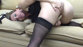 Hot gal with her vibrator PT.1/3