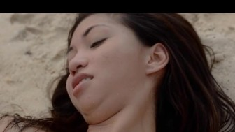 ultra sexy asian bang on the beach