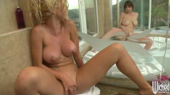HOT Aussie blonde masturbates for her brunette GF in the shower