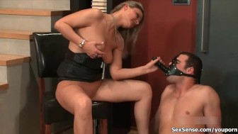 Hot babe getting her cunt fucked by a guy with a strapon mask