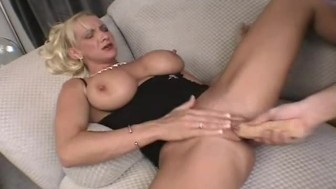 busty moms first sex casting