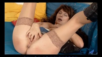 Shy amateur mature in stockings