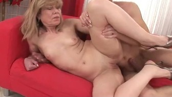 Mature Grandma Gets Fingered and Fucked Hard