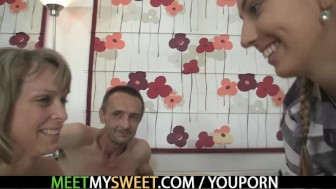 She jumps on her BF's daddy cock