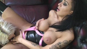 Lesbian Latex Babes fuck in stockings