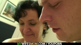 She finds her old mom riding her BF's cock