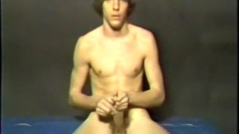 Solo twink fun - The French Connection