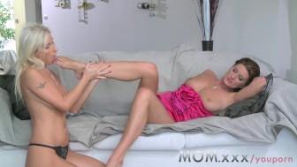 MOM Lesbian MILFs eating juicy pussy