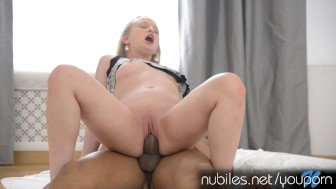 Watch her fucked pussy squirt