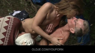 Old farts pleasing horny chick in the woods