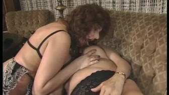 Mature babes have some fun - Telsev